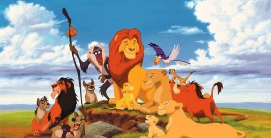 根据美国媒体报道,迪士尼将把经典动画片《狮子王》翻拍成真人电影,与《奇幻森林》类似,以CG特效完成动物角色的制作。同时,《奇幻森林》的导演乔恩费儒也将操刀这部影片。  动画片《狮子王》 迪士尼方面透露,正是《沉睡魔咒》《灰姑娘》《奇幻森林》等真人电影的成功,才促成了这次《狮子王》项目的敲定。真人版《美女与野兽》无疑是明年最令人期待的电影之一,而真人版的《狮子王》也将像该片一样,沿用动画片里的经典唱段。  幼年辛巴 虽然被称为真人电影,但众所周知《狮子王》中并没有